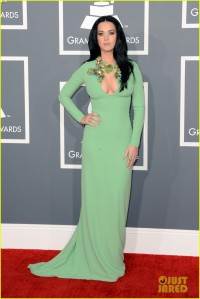 katy-perry-grammys-2013-red-carpet-01