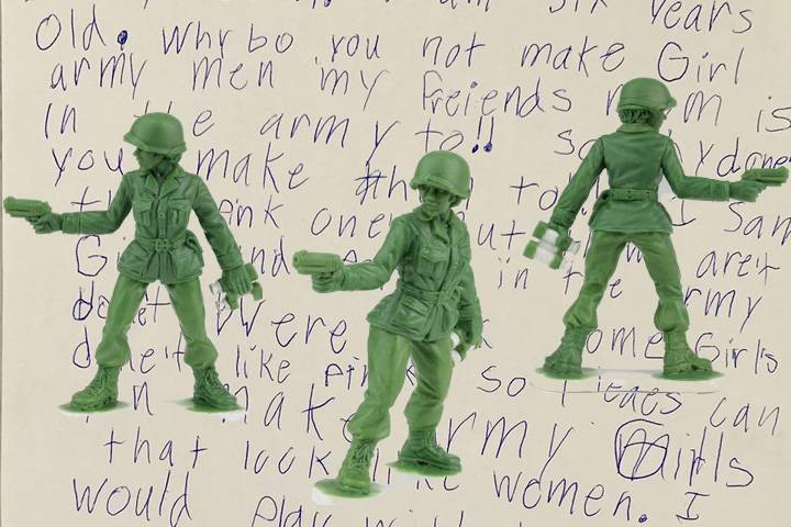girl-army-men